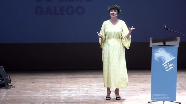 Presentación da Gala e do primeiro grupo de premios. Mantedora: Iria Pinheiro